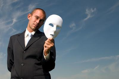 judecata mintii si falsitate